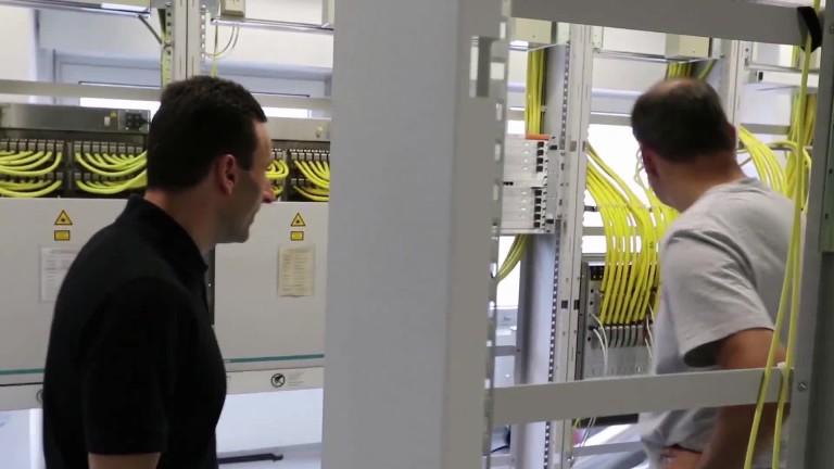 Deutsche Telekom: Unboxing and installation of a Super Vectoring card