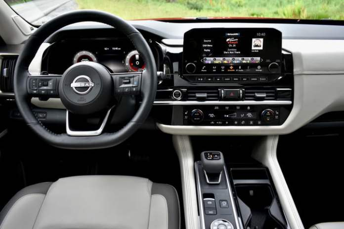 Dashboard of the 2022 Nissan Pathfinder.