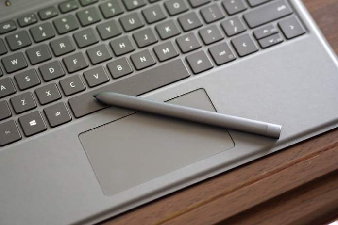 Close-up of the Dell Latitude 7320 detachable pen and keyboard.