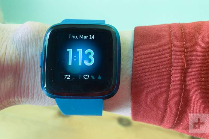 Fitbit Versa Lite Review Trimmed Down With Features You Need Digital Trends