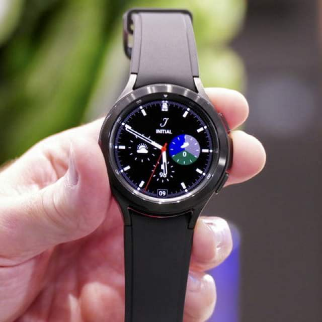 Galaxy Watch 4 Classic from the front.