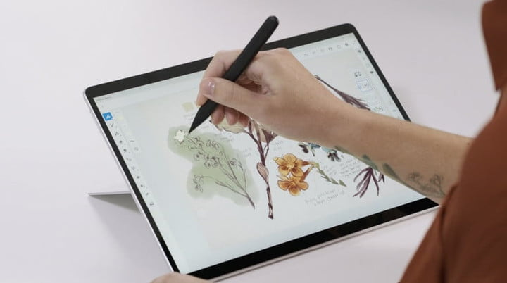 Drawing with Microsoft's Surface Slim Pen 2