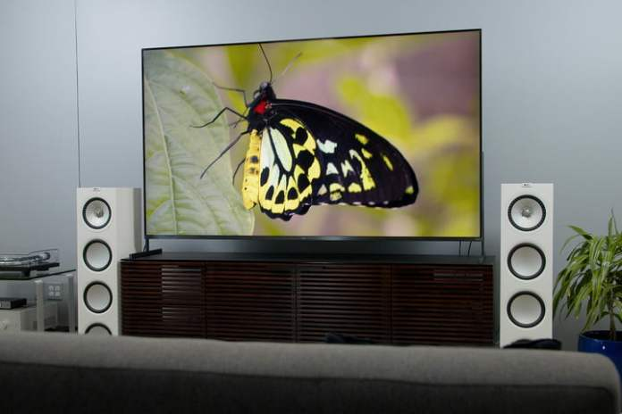 The TCL 85R745 85-inch 4K HDR TV and sound setup.