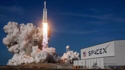 NASA, astronotları Ay'a indirecek kapsül için SpaceX ile anlaştı