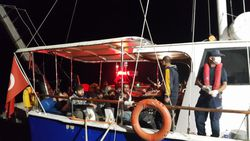 Çanakkale açıklarında 193 düzensiz göçmen yakalandı