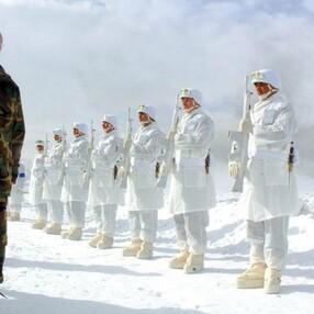AK Parti, Cumhurbaşkanı Erdoğan'ın 2006 kış tatbikatındaki görüntülerini paylaştı