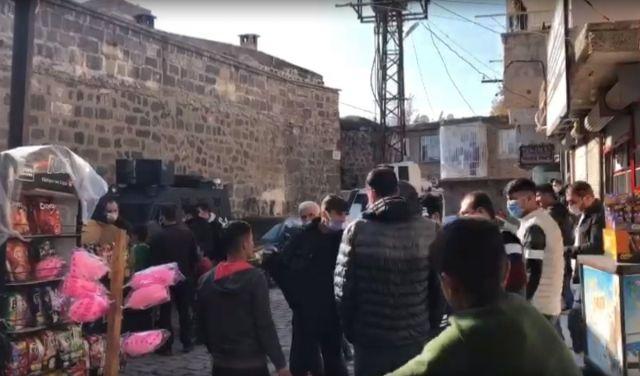 e8c51755ecad7a0fc6034e85157cb1ab - Diyarbakır'da çocuk kaçırmaya çalışan 2 kişi linç edilmek istendi