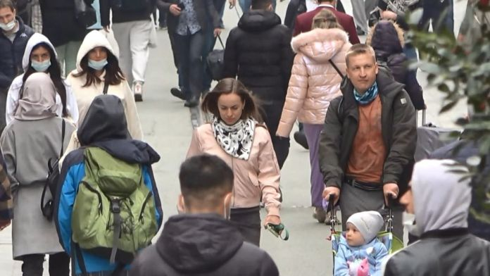 İstiklal Caddesi'nde pazar yoğunluğu #8