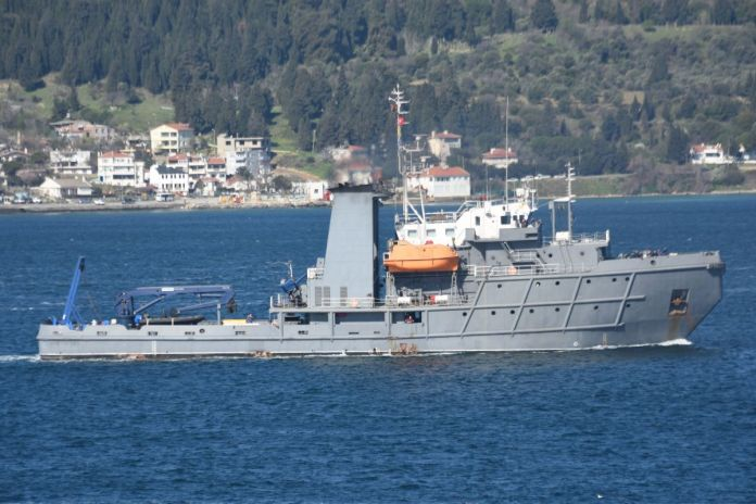 Romanya savaş gemisi Çanakkale Boğazı'ndan geçti #4