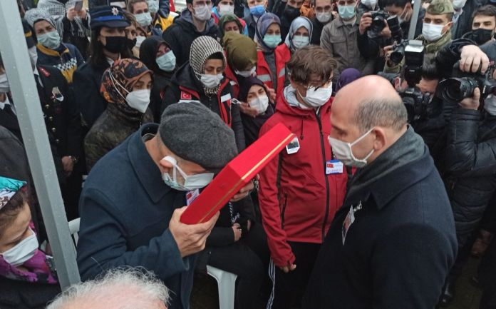 Süleyman Soylu Bursa'da şehit cenazesine katıldı #4