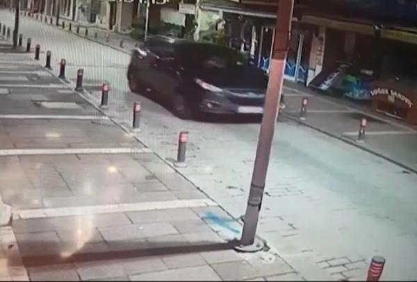 Yönetmeni öldüren şüpheli otomobille merdivenlerden indi