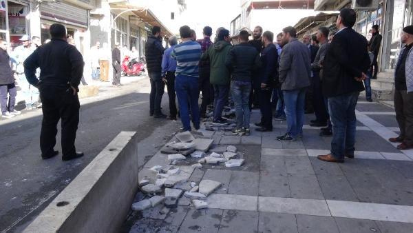 Şanlıurfa'da trafik cezalarına tepki gösteren esnaf yol kapattı
