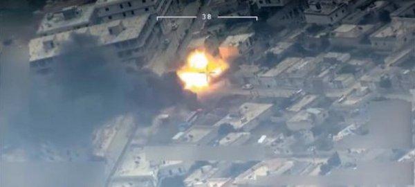 YPG'lilerin evlerin arasından saldırdığı anlar