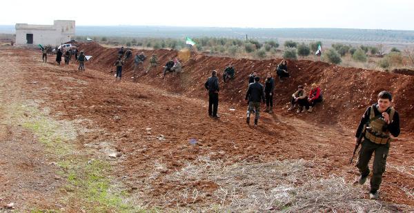 Muhalifler Afrin operasyonuna hazır