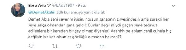 Demet Akalın'a Twitter'da  Diyanet tepkileri