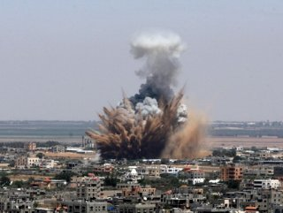 İsrail ordusu yine Gazze'yi vurdu