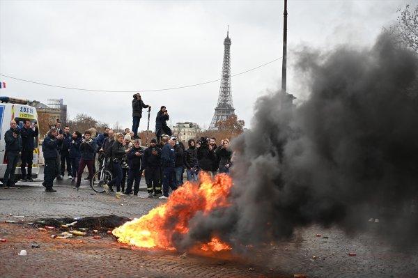 Paris'teki son gösterinin yol açtığı hasar 4 milyon euro