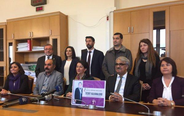HDP'li 10 vekil Öcalan için açlık grevine başladı