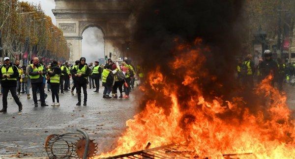 Fransa'da eylemlere çiftçiler ve kamyonculardan destek