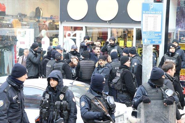 Pankartını vermek istemeyen HDP'li polisi ısırdı