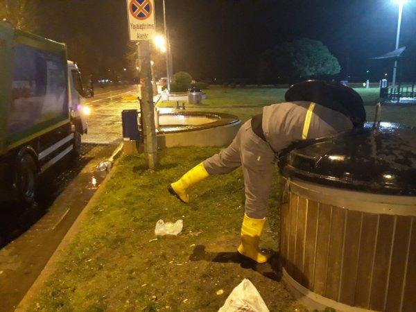 Yalova Belediyesi'nin çöp araçları haczedildi