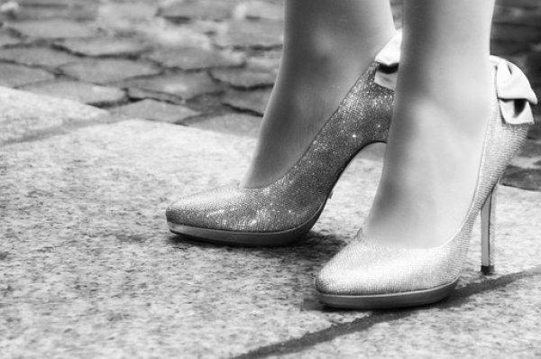 Okulda topuklu ayakkabı yasaklayan müdüre soruşturma