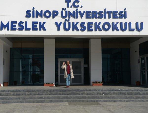 Sinop'ta 60 yaşındaki kadın üniversiteli oldu