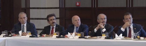 Erdoğan belediye başkanlarıyla Beştepe'de buluştu