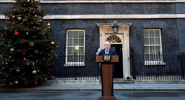 Boris Johnson 11 bakanını değişti