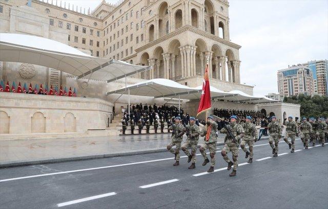 azerbaycanda askeri gecit toreni duzenlendi 1651 - Azerbaycan'da askeri geçit töreni düzenlendi