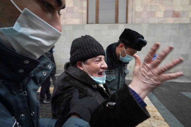 ermenistan 2365 - Ermenistan'da sokaklar karıştı