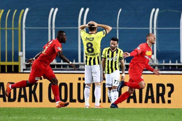 dfdf 1337 - Fenerbahçe Kadıköy'de Yeni Malatya'dan 3 yedi