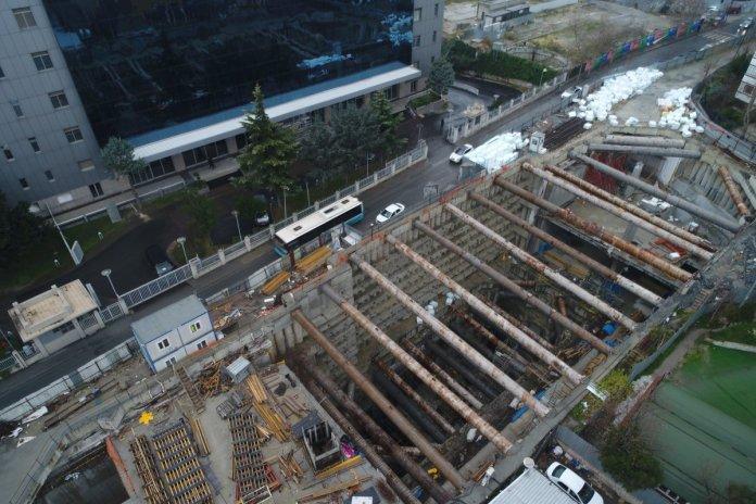 İstanbul da 4 yıldır süren metro inşaatı vatandaşları çileden çıkardı #4