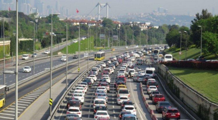 Türkiye de trafiğe kayıtlı taşıt sayısı 24 milyona çıktı #1