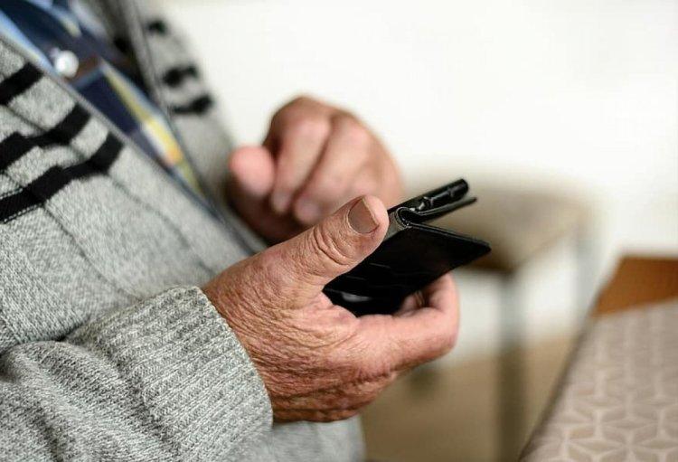 Koronavirüs döneminde yaşlıların internet kullanma oranı arttı #1