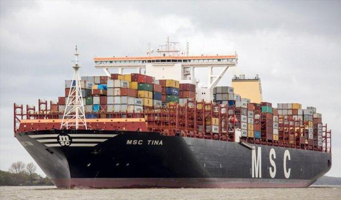 İstanbul Ambarlı Limanı nda konteyner gemisi, iskeleye çarptı #2