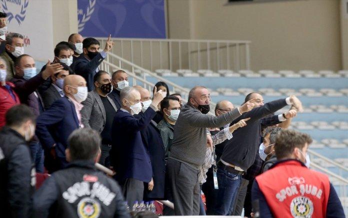 Büyükçekmece Basketbol - Galatasaray maçında olay çıktı #2