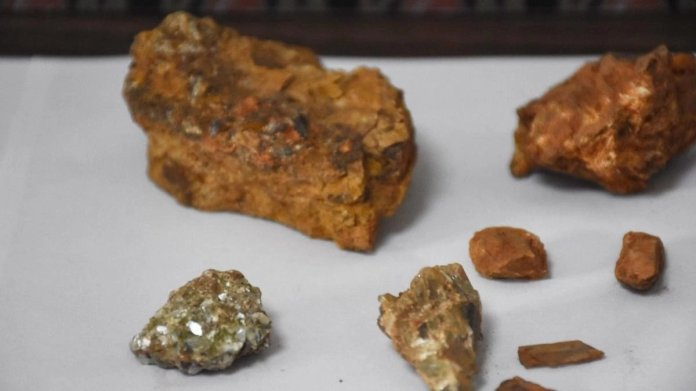 Elmastan daha değerli: Painite taşı nedir? Painite taşı özellikleri nelerdir? #2