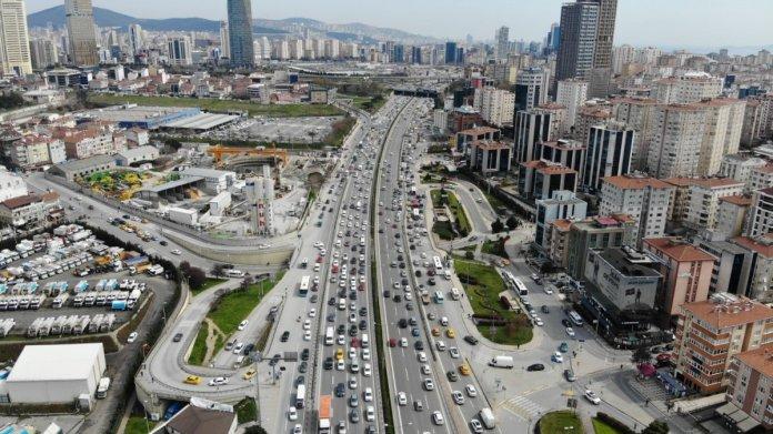 İstanbul da 56 saatlik kısıtlama öncesi trafik yoğunluğu #6