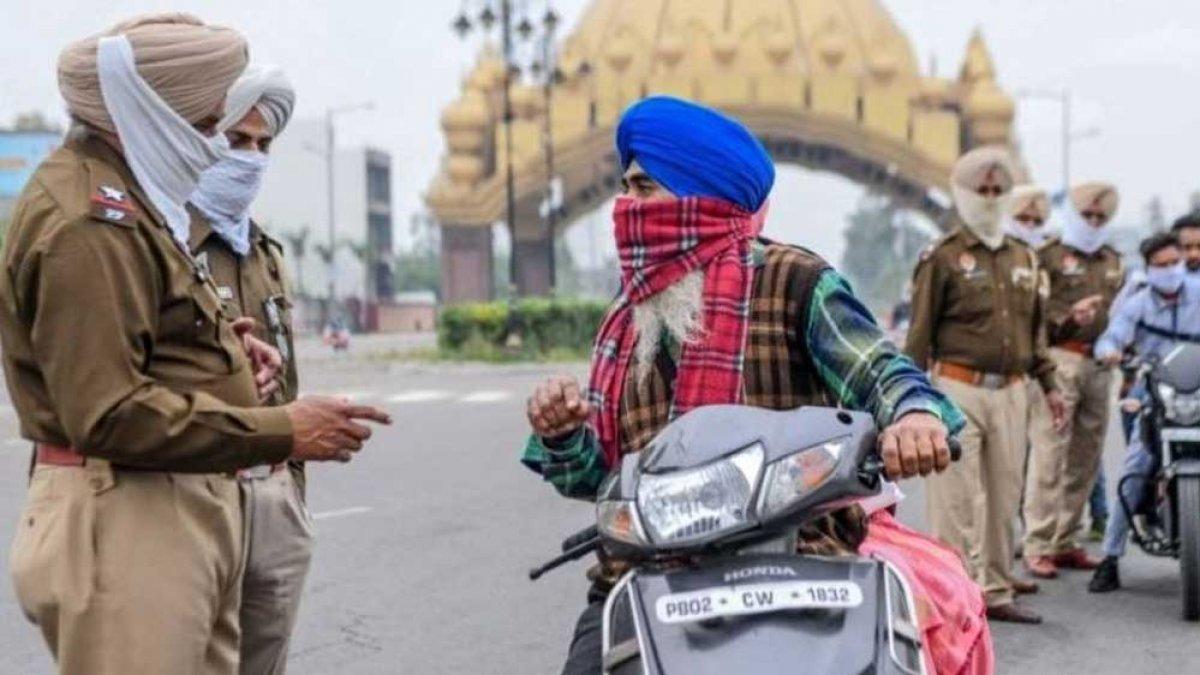 Hindistan'da koronavirüs yasaklarına uymayanlara akılalmaz cezalar #2