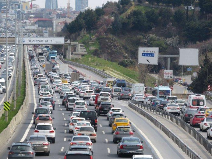 İstanbul da 56 saatlik kısıtlama öncesi trafik yoğunluğu #4