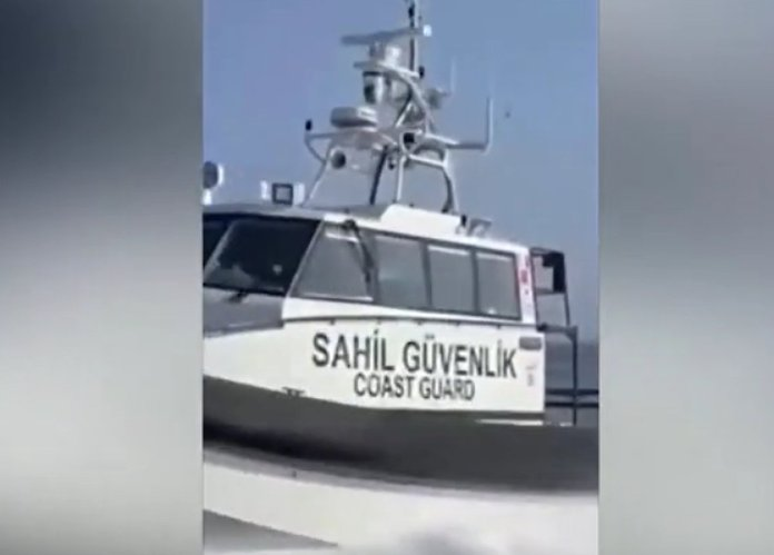 Türk Sahil Güvenlik botundan Yunan gemisine müdahale #3