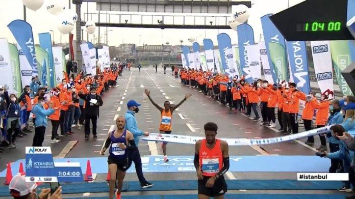 Kenyalı atlet Ruth Chepngetich İstanbul Yarı Maratonu nda rekor kırdı #1
