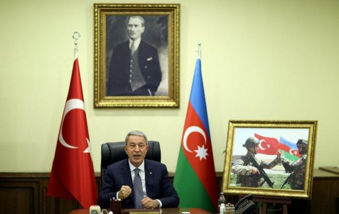 Hulusi Akar, Azerbaycan Savunma Bakanı Hasanov ile görüştü #3
