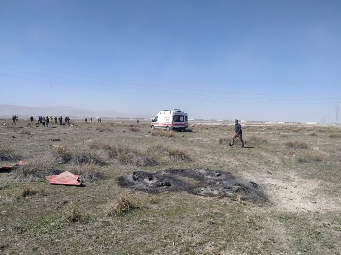 Konya da askeri uçak düştü  #5