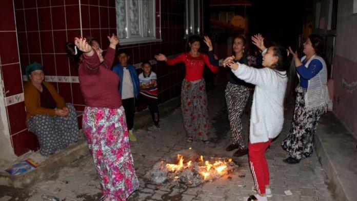 8 Nisan Türkiye de Dünya Romanlar Günü olarak kutlanacak #3