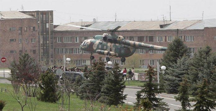 Ermenistan da asker yakınlarından protesto #4