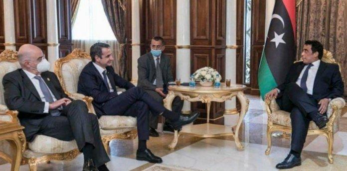 Muhammed Menfi nin Türk büyükelçiyi kabulünde dikkat çeken görüntü #1