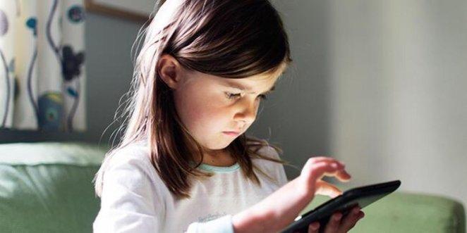 Intense screen use in children disrupts sleep #2