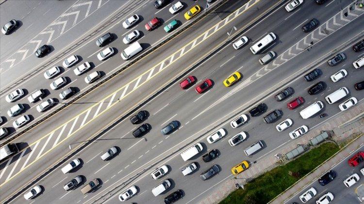 Trafiğe ilk 6 ayda 607 bin aracın kaydı yapıldı #1